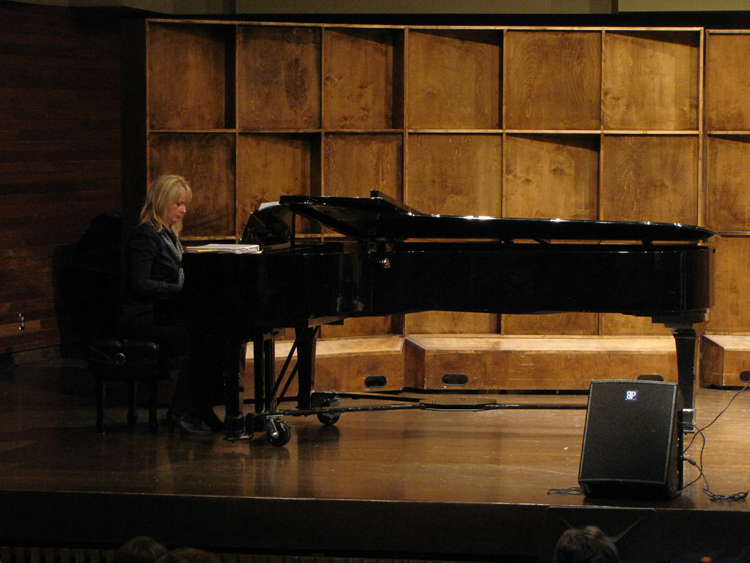 MUN_15th_anniversary_Recital_2010.jpg
